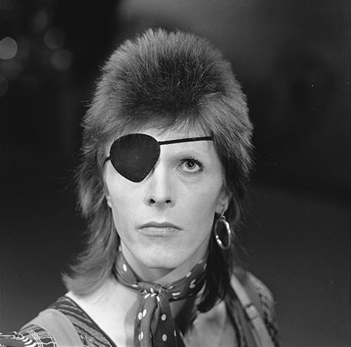 david_bowie_-_toppop_1974_03